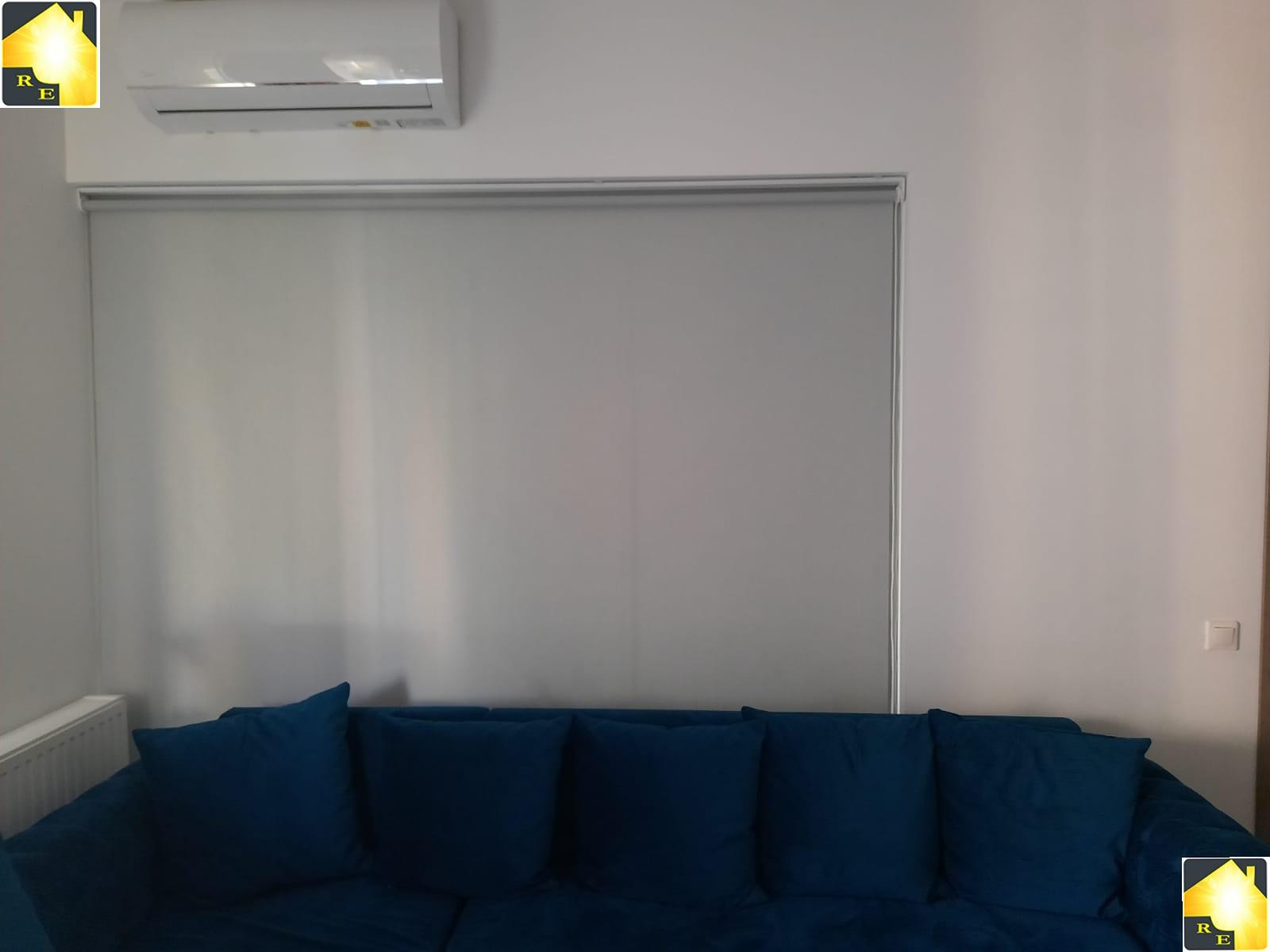 Rolete simple albe- asortare cu peretele